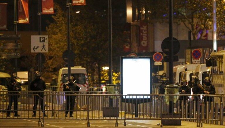 Ārlietu ministrija kategoriski nosoda barbariskos terora aktus Parīzē