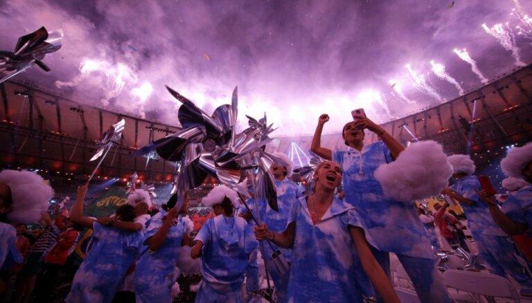 Foto: No Riodežaneiro atvadās 'supercilvēku svētki' – paralimpiskās spēles