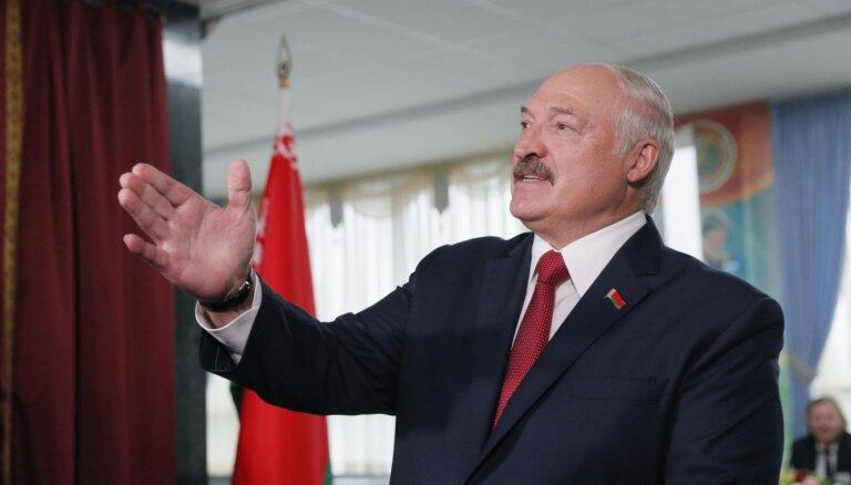 Lukašenko apstiprina, ka pretendēs uz sesto prezidentūras termiņu