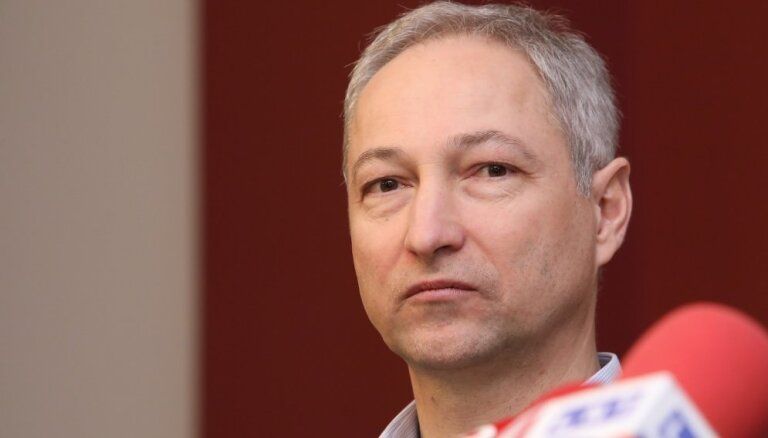 Bordāns rosina deputātus lemt par Ķezberes atbrīvošanu no NEPLP vadītājas amata