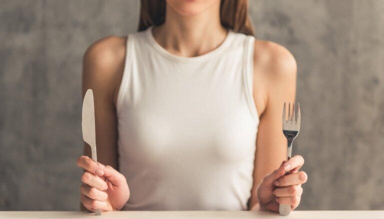 Atteikšanās no ogļhidrātiem – kā tas ietekmē veselību un vai tā iespējams zaudēt svaru