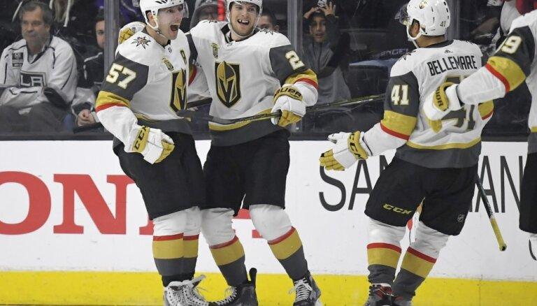 Lasvegasas 'Golden Knights' turpina labot NHL rekordus