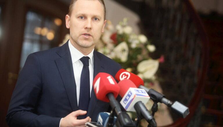 'KPV LV' frakcija saliedējas ap Gobzemu; Kaimiņš saslimis