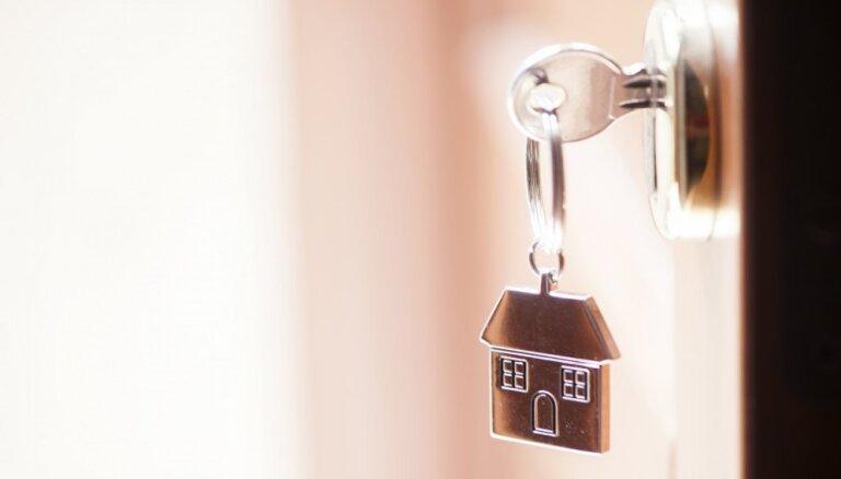 Pirkt vai tomēr īrēt: noderīgi padomi mājokļa izvēlei