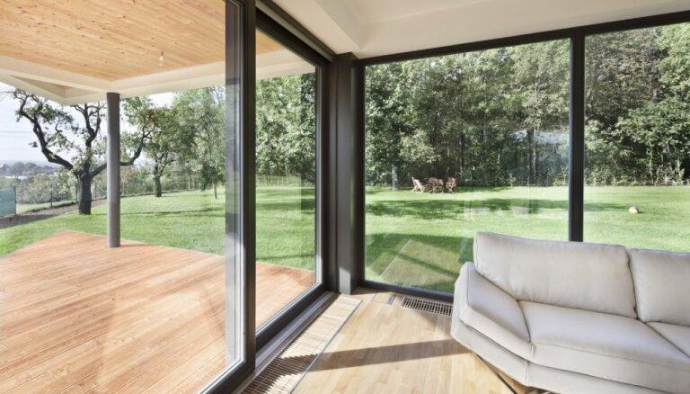 Mājas kā stikla pilis – arhitektūra ar caurredzamām sienām