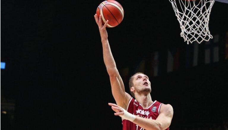 Bērziņam 29 punkti 'VEF Rīga' zaudētā Vienotās līgas spēlē pret 'Unics' basketbolistiem