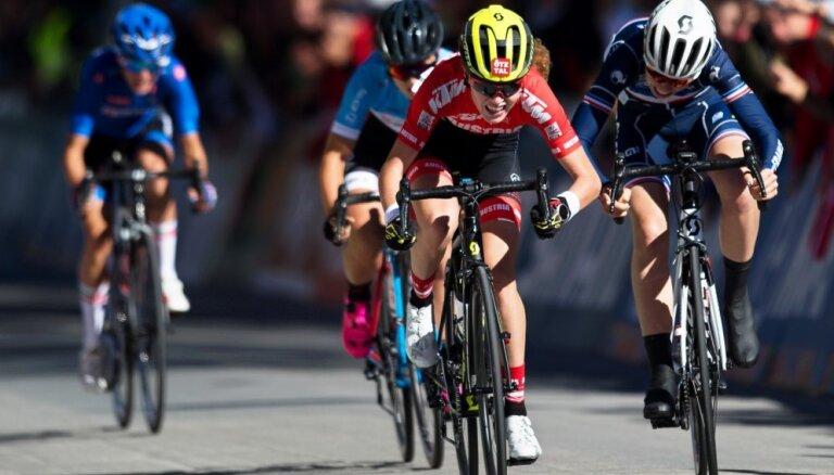 Svarinska izcīna 41. vietu pasaules čempionātā riteņbraukšanā grupas braucienā juniorēm