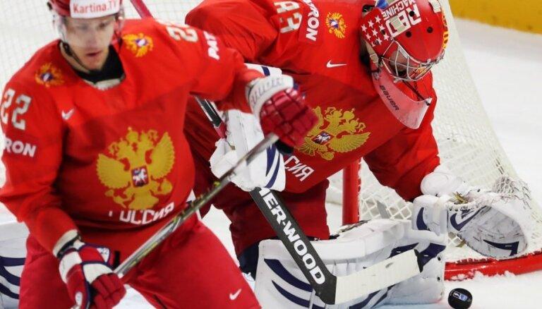 Krievija varētu uzņemt PČ hokejā, taču plāna īstenošanu apgrūtina dopinga skandāla izskatīšana