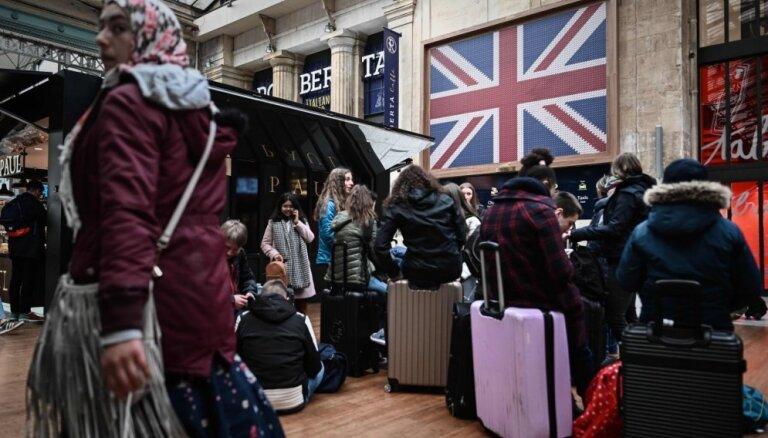 Francija brīdina, ka varētu balsot pret 'Brexit' atlikšanu