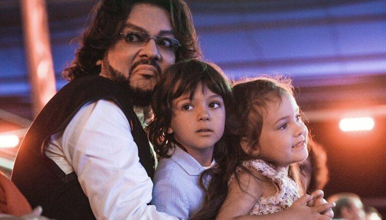 На волоске: жизнь Киркорова и его детей оказалась под угрозой