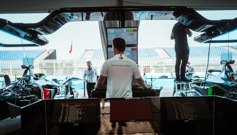 Vai tā ir autosporta nākotne? Kā 'Formula E' izskatās no iekšpuses