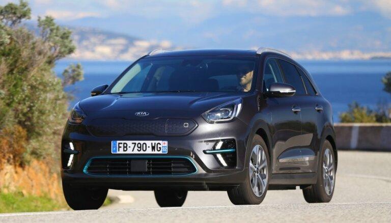 Par 'What Car?' Gada labāko auto kronēts 'KIA e-Niro'