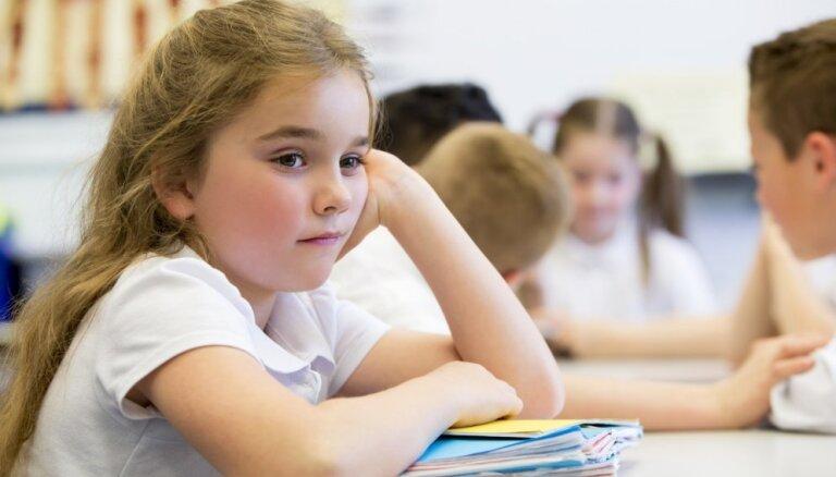 Miegainība, galvassāpes, nespēks – māmiņa noraizējusies par nepietiekami vēdinātām telpām skolā