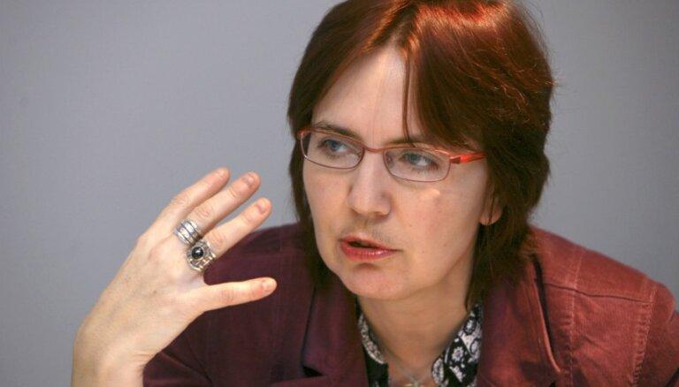 Портал: чиновница NEPLP задумала судиться с Лапсой