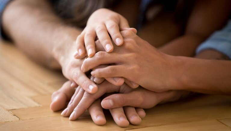 Kurzemē izglīto potenciālos aizbildņus, adoptētājus un audžuģimenes pasākumos 'Izaugt ģimenē'