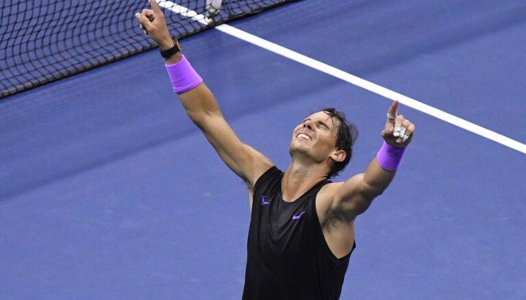 Nadals trillera cienīgā 'US Open' finālā izcīna 19. 'Grand Slam' titulu
