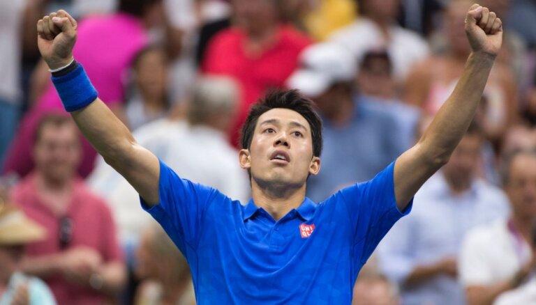Нисикори в пятисетовом марафоне не пустил Маррея в полуфинал US Open