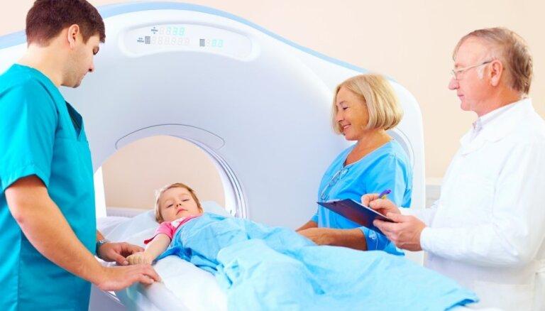 Magnētiskā rezonanse, rentgens – kā notiek izmeklējumi bērniem, izmantojot dažādas diagnostikas ierīces