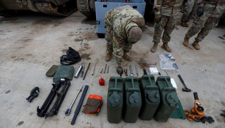 NATO Polijā plāno būvēt noliktavu ASV militārajam aprīkojumam, ziņo laikraksts