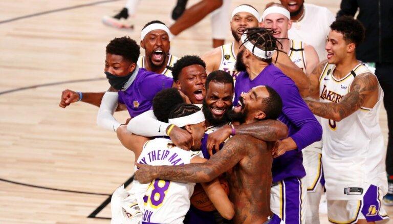 """Исторический титул: """"Лос-Анджелес Лейкерс"""" в 17-й раз стал чемпионом НБА"""