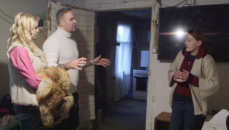 Video: Ģimeņu attiecību šovā mammu nepatīkami pārsteidz Kivičs un Skulme vannā