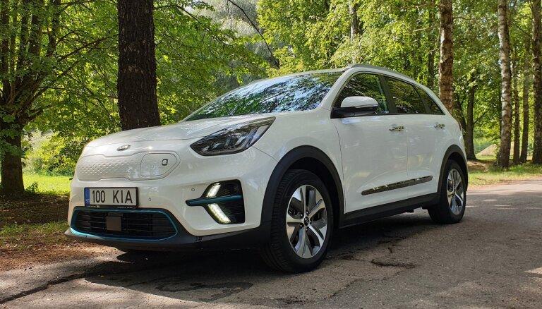 """ВИДЕО. Новый электромобиль от Kia """"доехал"""" до Европы: каковы преимущества и недостатки?"""