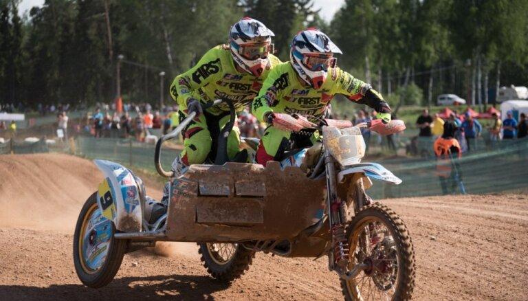 Žiro ar Mucenieku triumfē pasaules motokrosa čempionāta priekšpēdējā kvalifikācijas braucienā