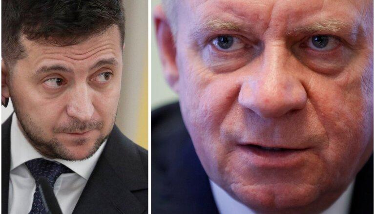 Ukrainas centrālās bankas vadītājs atkāpies politiska spiediena dēļ