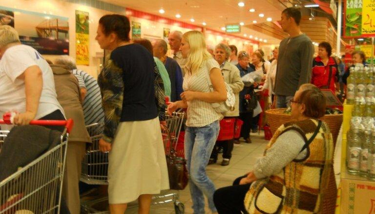 Parakstot memorandu, vairāki desmiti uzņēmēju apņemas neizmantot eiro ieviešanu cenu celšanai