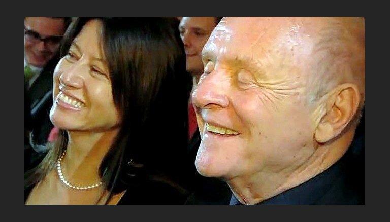 Video: Hopkinsu aizkustina paša pirms 50 gadiem sarakstītais valsis