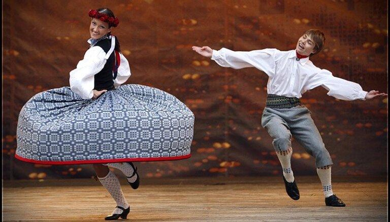 'Mikrofona ierakstu' jubilejas koncertā piedalīsies arī kori un deju kolektīvi