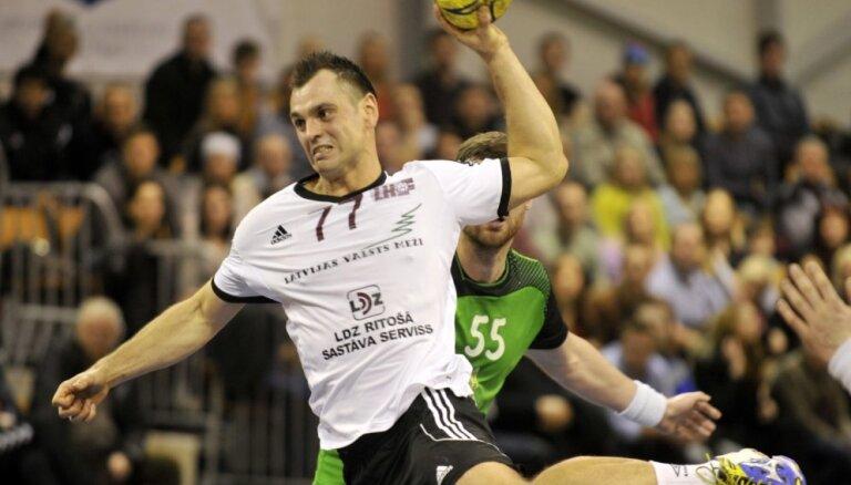 Latvijas handbola izlase ar dramatisku uzvaru noslēdz pasaules čempionāta kvalifikācijas turnīru