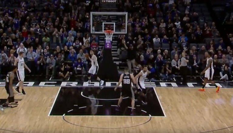 Video: Bertāns ar izcilu piespēli iekļūst NBA dienas TOP 5
