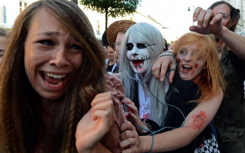 http://g2.delphi.lv/images/pix/800x500/duQs6twHz_0/zombijs5afp-43523657.jpg