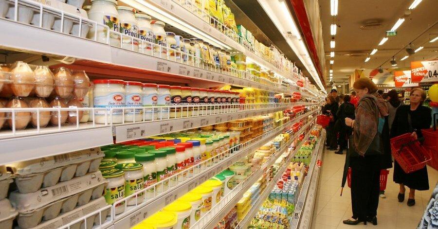 Tirgotāji aicina nepakļauties panikai; tukšie veikalu plaukti tiks piepildīti