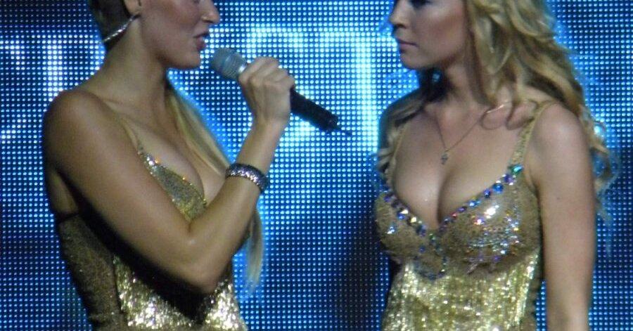 golie-solistki-gruppi-mobilnie-blondinki