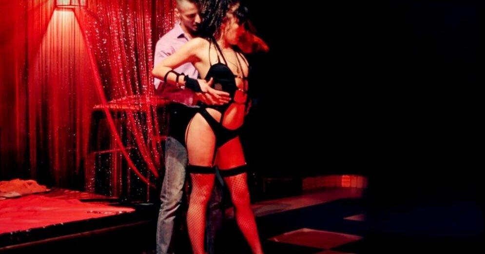 Brazzers порно ролик с сочной девушкой