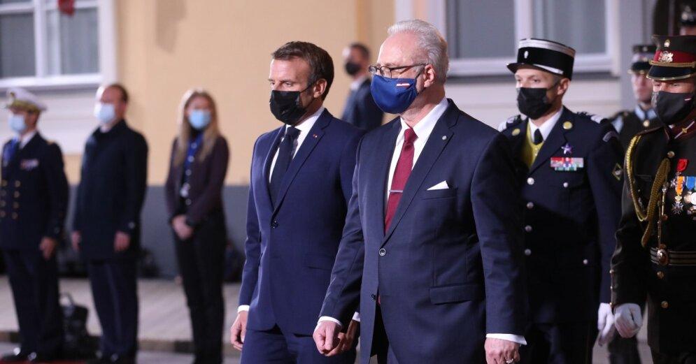 ФОТО: Макрон прибыл в Ригу; заявил, что нужно налаживать стратегический диалог с Россией