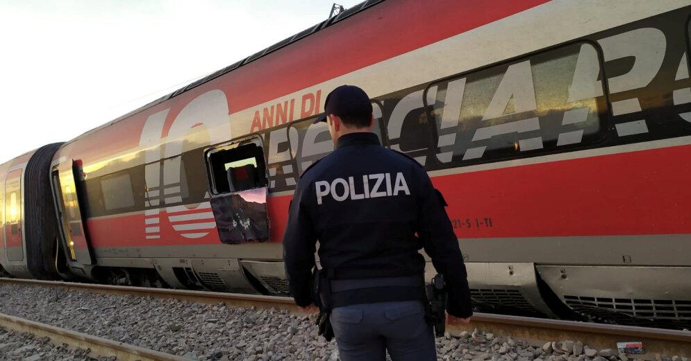 Скоростной поезд сошел с рельсов в Италии, есть погибшие и раненые