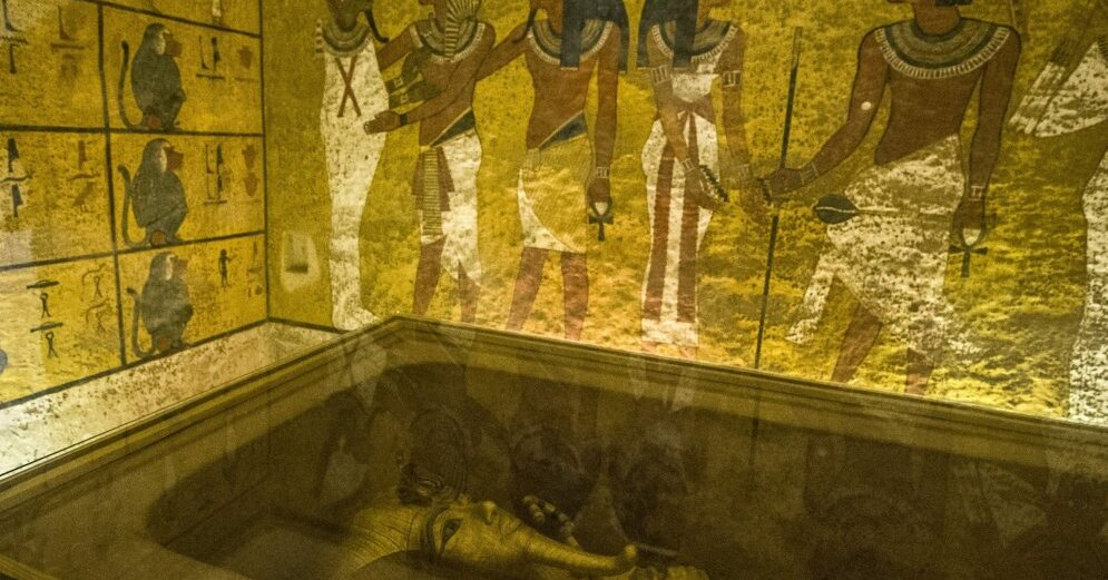 tutankhamun s tomb essay example Essay about re: week 10 discussion 1 is attributed to the discovery of his tomb and his elaborate treasure king tutankhamen tomb king tutankhamun, tomb was discovered november 4, 1922 in the valley of the kings by howard carter.