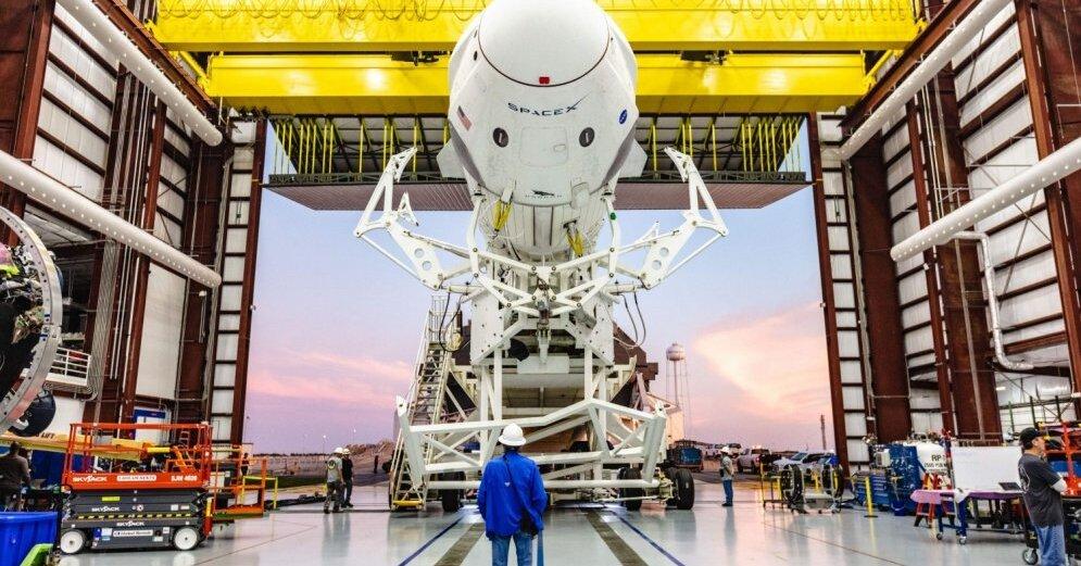 Россия запланировала пилотируемые полеты на Луну