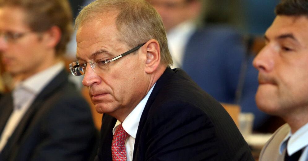 Суд начал дело по иску Ушакова