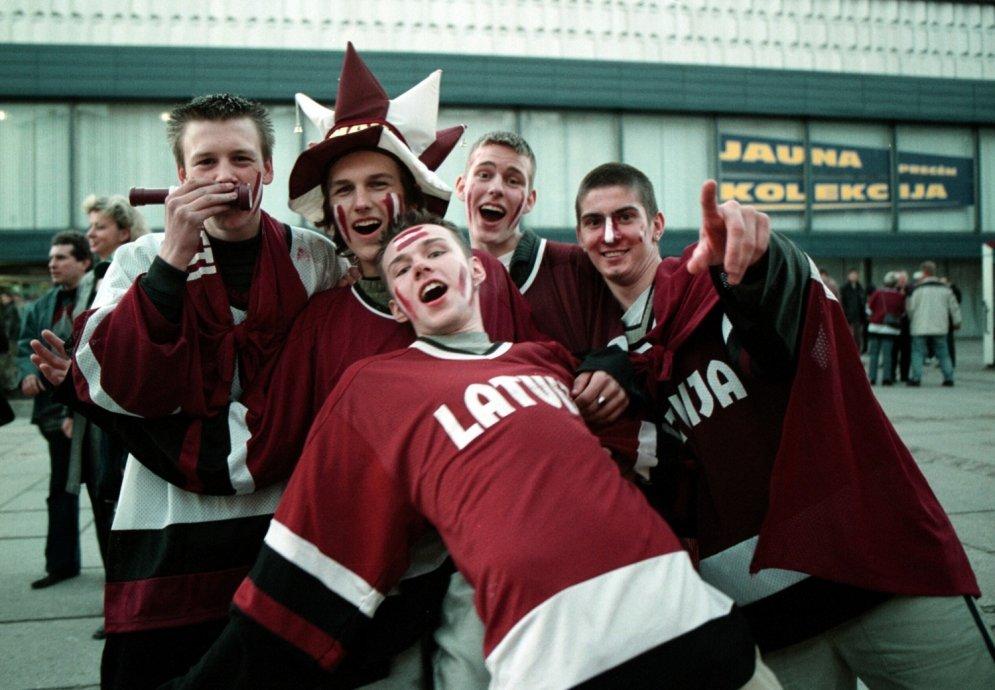 Arhīva kadri: Kā latvieši par hokeju fanoja gadsimta sākumā