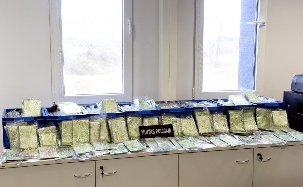 Lietas, ko nevar nopirkt par 6 miljoniem, kas iegūti, pārdodot Paragvajas kokaīnu