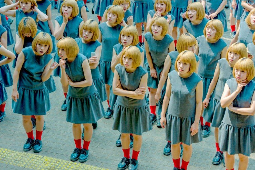Kā izskatītos pasaule, ja tā būtu pilna ar taviem kloniem