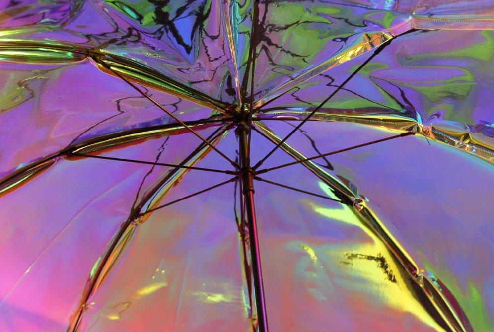 Vai Toms Bricis paliks bez darba? Izgudrots lietussargs, kas paredz laikapstākļus